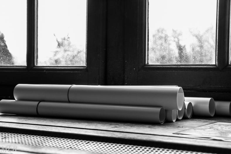 Bord de fenêtre en noir et blanc